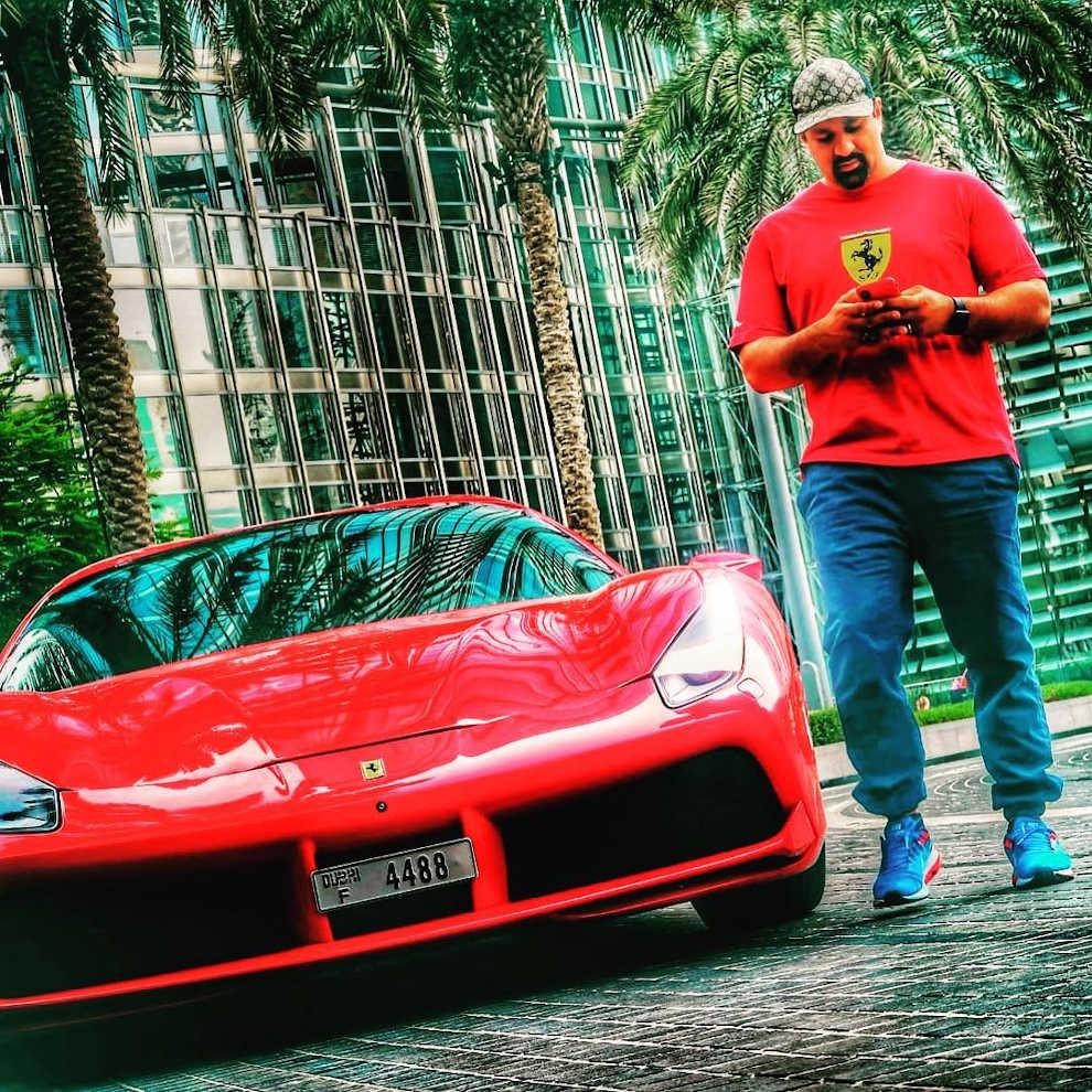 Дубайский блогер
